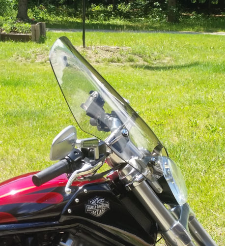 Harley Davidson   V-ROD Muscle Quick Release Compact Mid Sport Windshield photo review