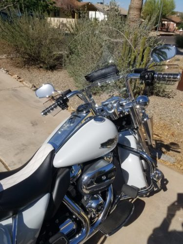 Road King | Harley Davidson Replacement Windshield (5 Holes Across Horizontal Bracket) photo review